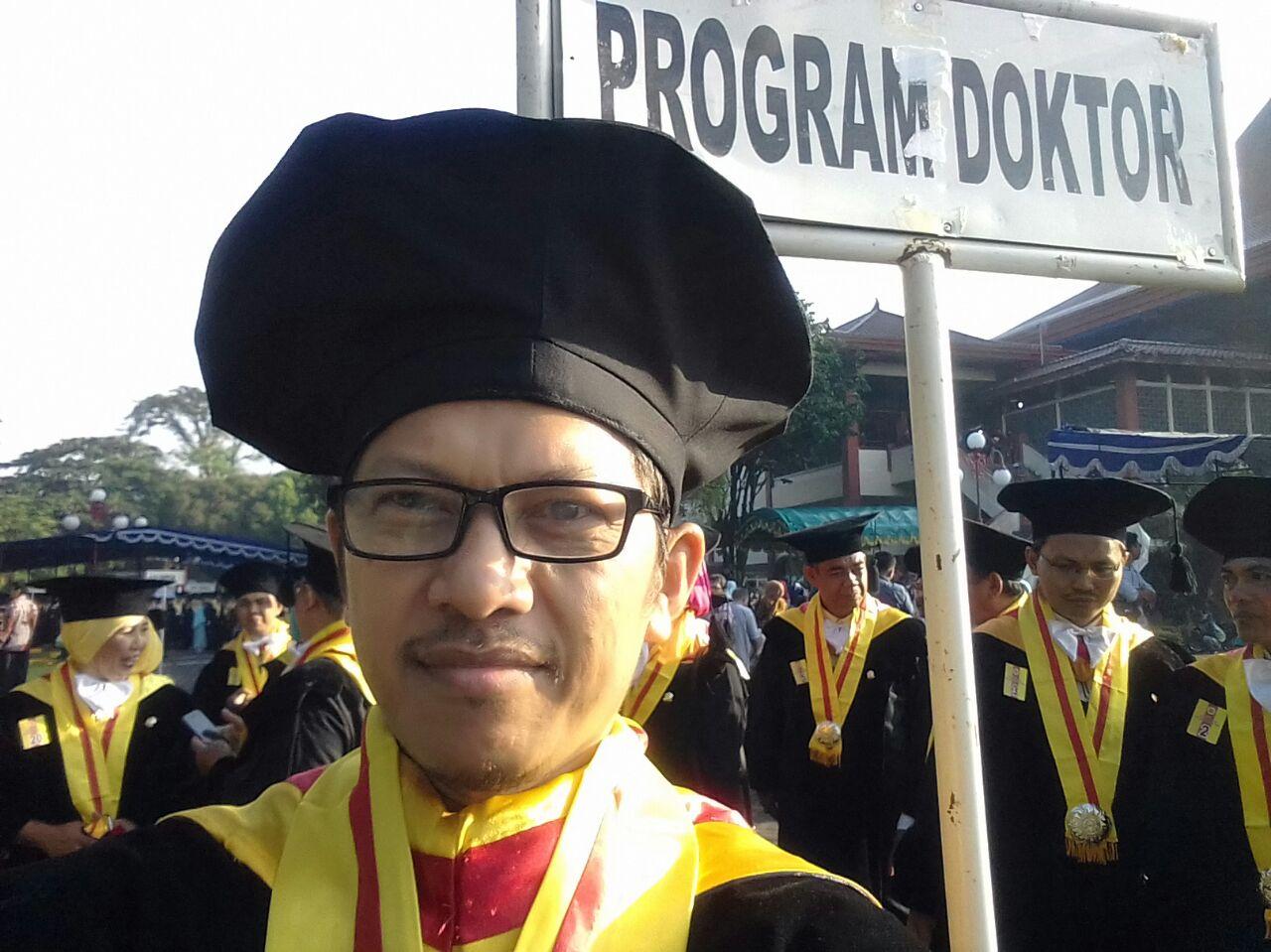 UNNES Tambah Doktor Ilmu Linguistik