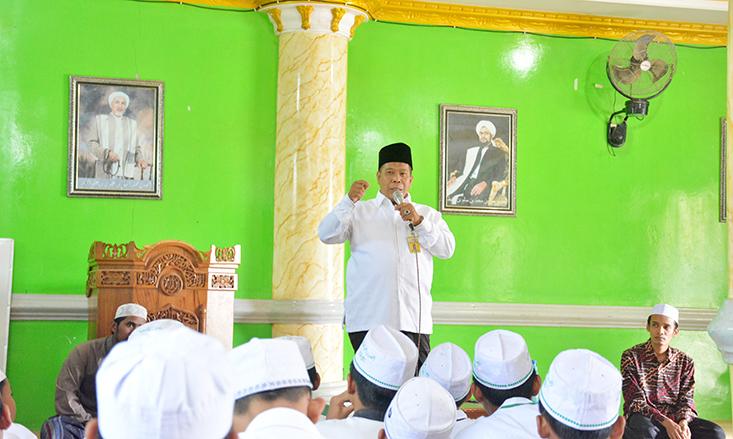Profesor Goes to Pondok Pesantren
