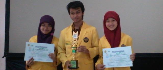 """""""School of Green Creativity"""" Juara II LKTI Nasional  di Palembang"""