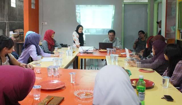 Kenali Perilaku Media, Klub Jurnalistik BSI Kunjungi LeSPI