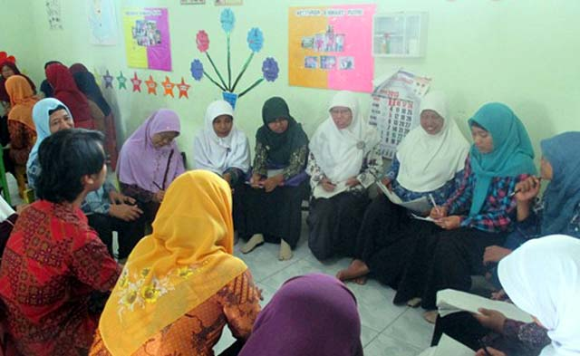 Peringati Hari Ibu, PPK Unnes Bimbing 70 Guru TK