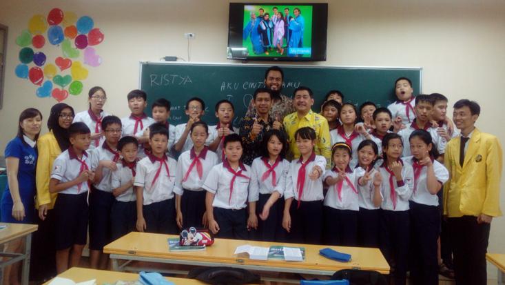 10 Mahasiswa UNNES Praktik Mengajar di Vietnam