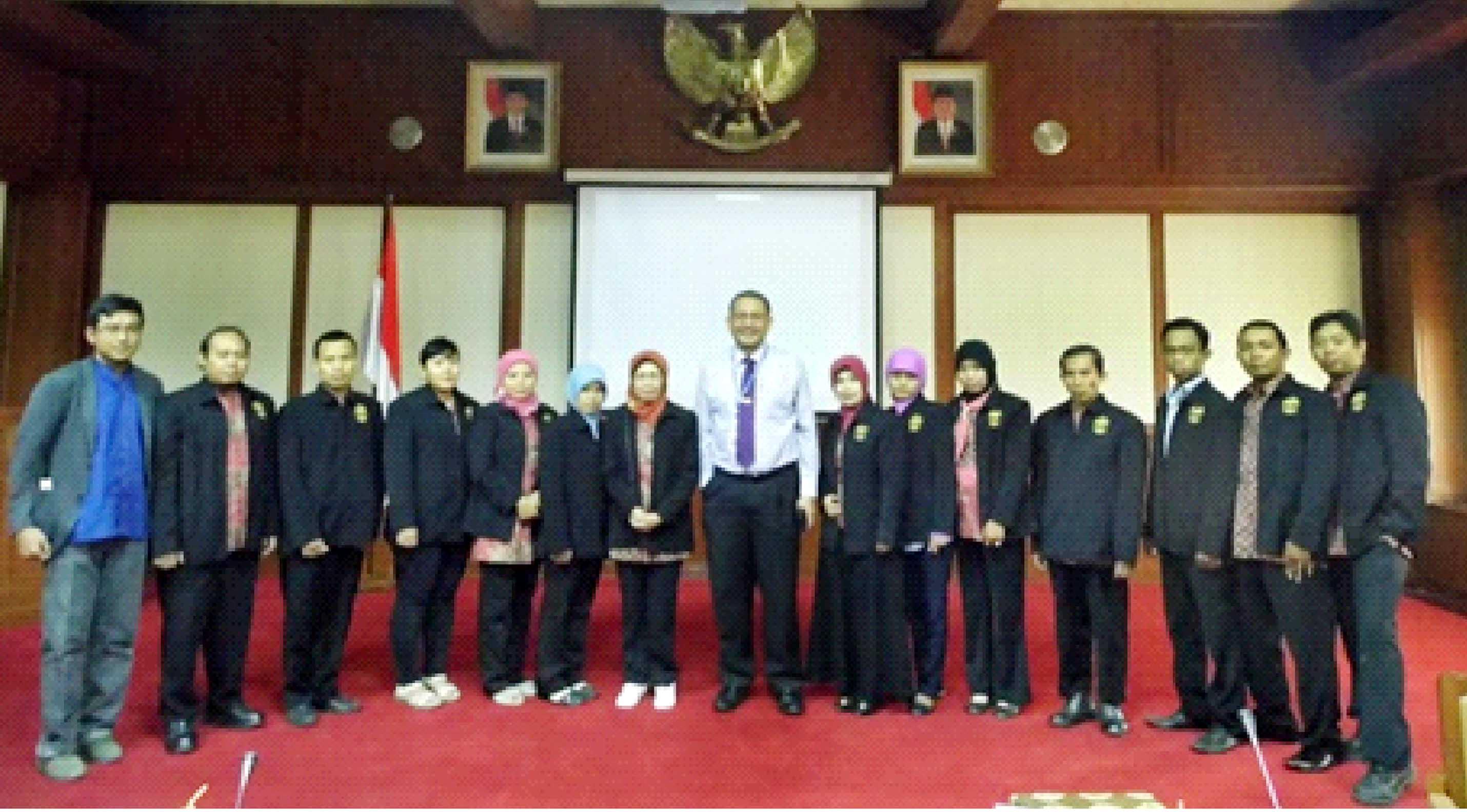 Mahasiswa S2 Pendidikan Kejuruan KKL ke Thailand