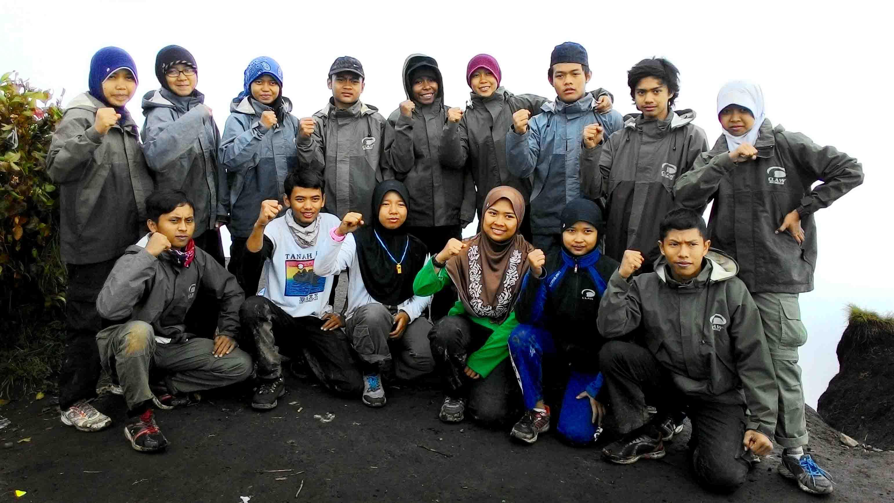 Ekspedisi ke Gunung Carstensz Pyramid, Mahapala Unnes Latihan di Gunung Merbabu