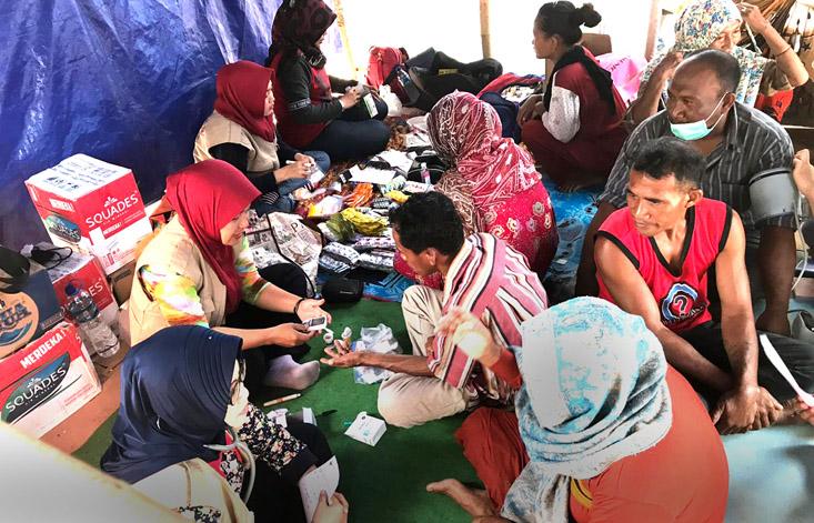 Tim Baksos UNNES Peduli Gempa Sulawesi Tengah, Ratusan Warga Berbondong-bondong Periksakan Diri