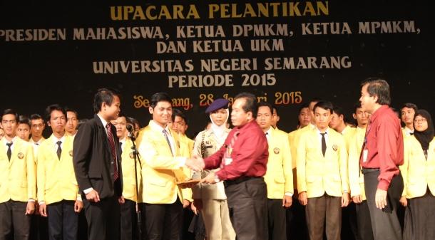 Rektor Lantik  Pengurus LK dan UKM Periode 2015