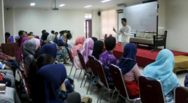 REM FM UNNES Selenggarakan Seminar Public Speaking dan Broadcasting