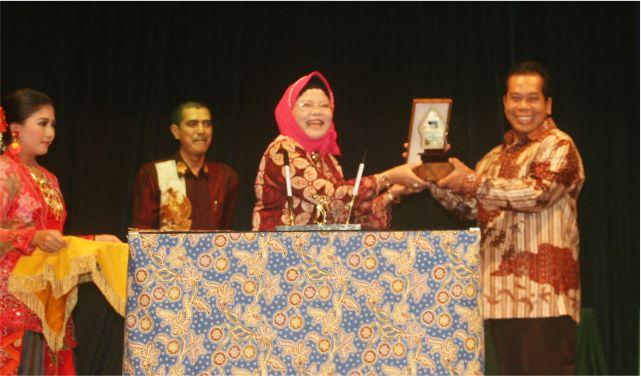 Unnes Gandeng RRI untuk Promosikan Seni Budaya