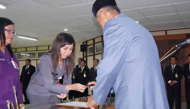 Sukiyanto Kabag TU FIS, Ratih Kasubbag Akuntansi