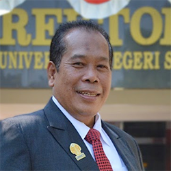 Membangun Tradisi Universitas Ber-SDM Unggul