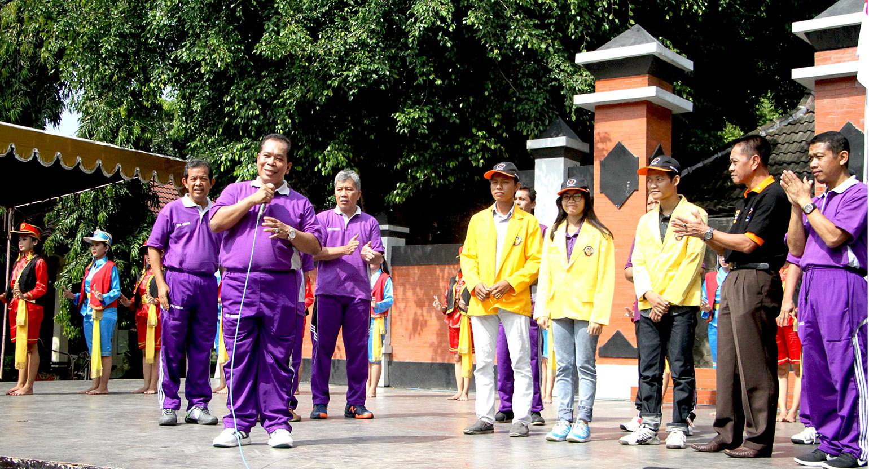 Rektor Lepas Mahasiswa Unnes untuk Mengikuti Peksiminas XIII di Universitas Halu Oleo Kendari