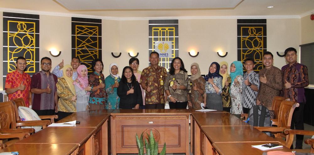 Puluhan Dosen dan Mahasiswa FIK IkutiInternational Conference