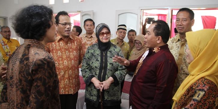 Berjasa Besar, Nama Prof Satmoko dan Prof Retno Sriningsih Dijadikan Nama Gedung