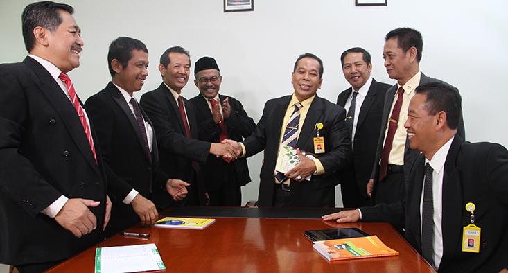 Rektor dan Jajaran Pimpinan Mengucapkan Selamat Idul Fitri 1439 H