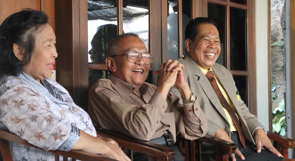 Masuk di Hari Pertama, Rektor dan Pimpinan UNNES Silaturahmi ke Rektor Terdahulu