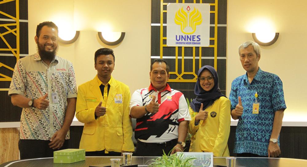 Dua Mahasiswa UNNES Ikuti Workshop Programming di Koh Samui Thailand