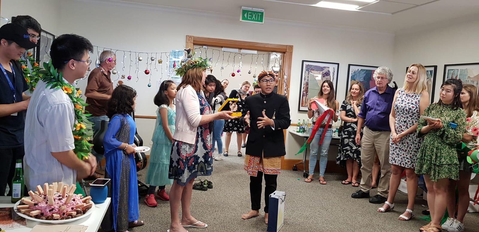 Dosen UNNES Kenalkan Budaya Semarang Di New Zealand