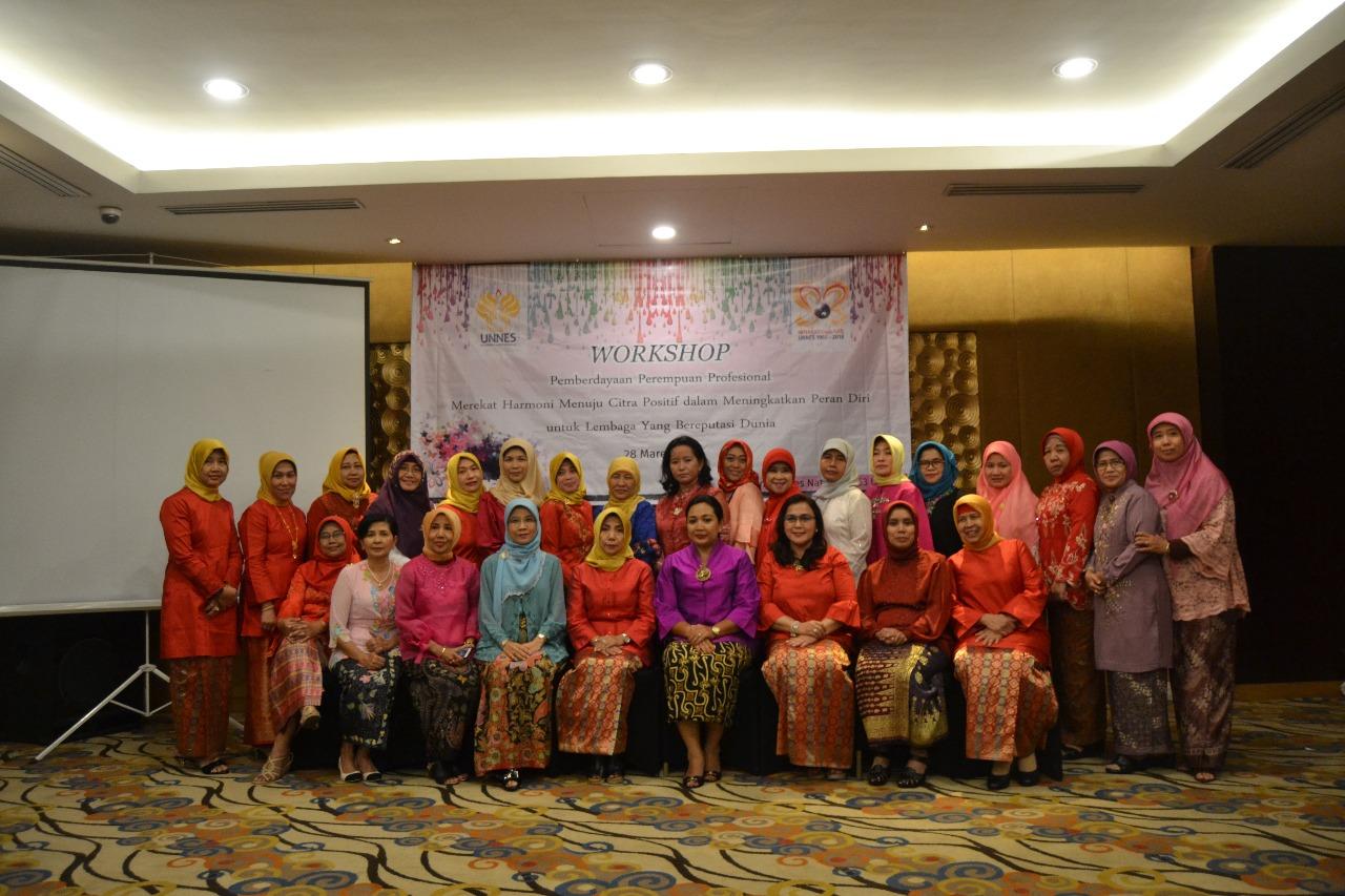 Tingkatkan Profesionalitas, Dharma Wanita UNNES adakan Workshop Pemberdayaan Perempuan