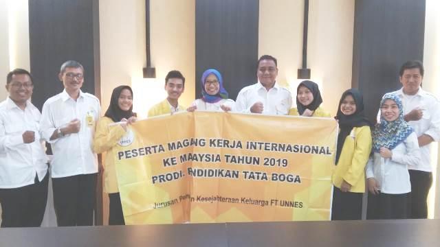 Mahasiswa Tata Boga  Magang Kerja di Melaka