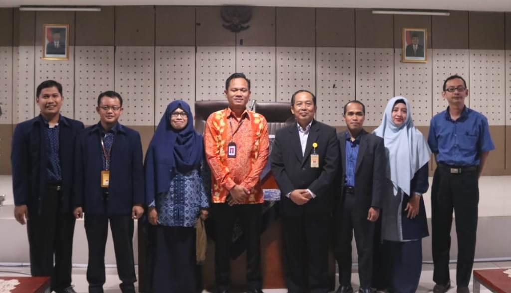FE  Tingkatkan Literasi Perbankan Syariah Bagi Guru SMK  Jateng dan DIY
