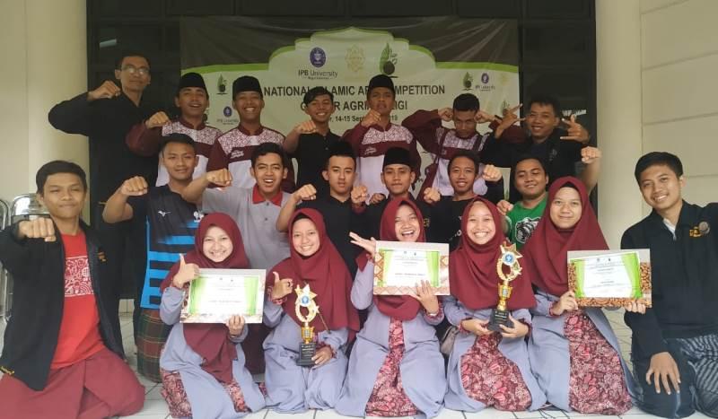 UKM Remo UNNES Raih 3 Penghargaan  Festival Hadrah Nasional di IPB Bogor