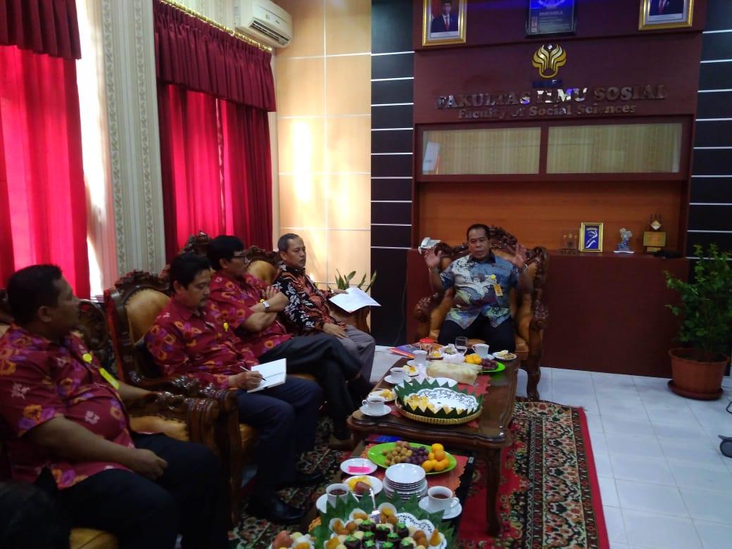 Rektor UNNES Rapat Koordinasi  Dengan FIS