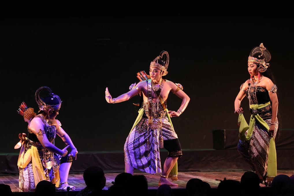 Hima Sendratasik Pentaskan Tari Ramayana