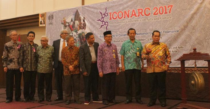 Seminar ICONARC Awali Bulan Bahasa dan Seni 2017