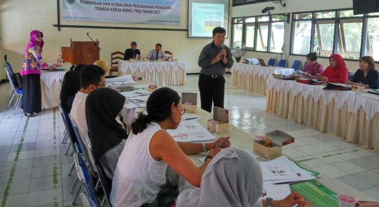 Dosen UNNES Sosialisasikan Bahasa Indonesia bagi Tenaga Kerja Asing