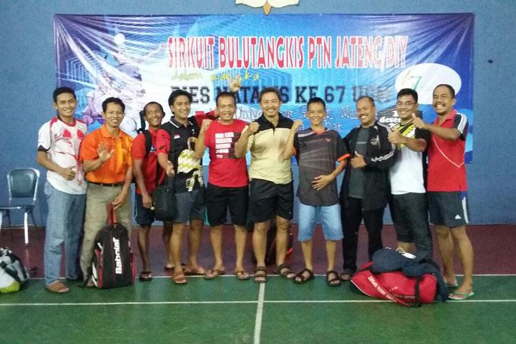 UNNES Pertahankan Gelar Kejuaraan Bulutangkis Antar-PTN
