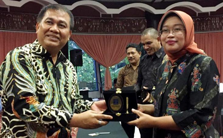 Dekan FH UNNES Jadi Nara Sumber Forum Komunikasi Penyusunan Prolegnas
