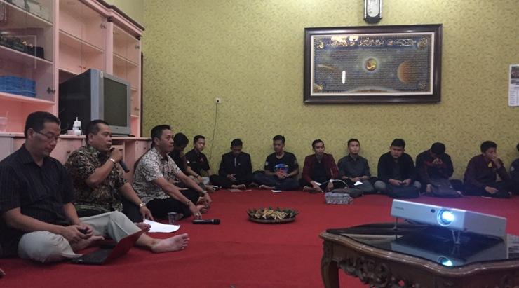 Bahas SPI, Rektor dan Perwakilan Mahasiswa Adakan Diskusi