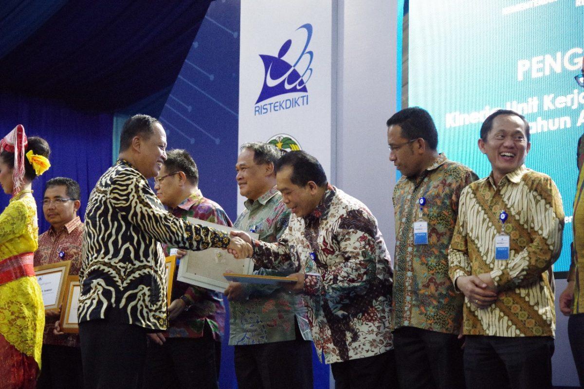 UNNES PTN BLU Berkinerja Terbaik Ke-2 se-Indonesia