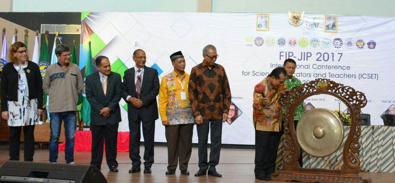 FIP JIP, Revitalisasi Untuk Memperbaiki Kualitas Dunia Pendidikan