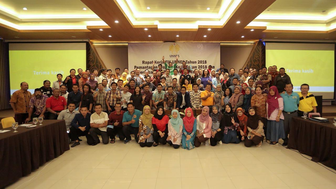 Gelar Rapat Kerja, FIK UNNES Dorong Dosen dan Mahasiswa Aktif di Kawasan ASEAN