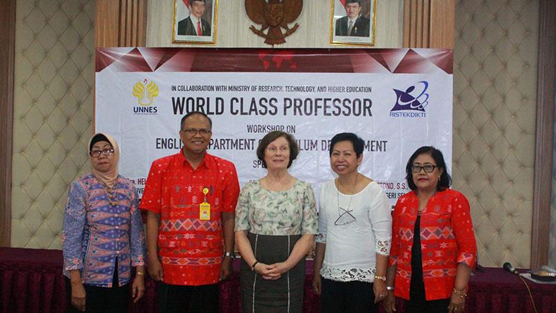 Kembangkan Rumusan Kurikulum Terbaik, Jurusan Bahasa Inggris UNNES adakan Workshop Kurikulum