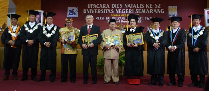 Lima Tokoh Berdedikasi Terima Anugerah Konservasi 2017