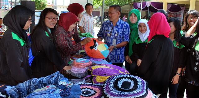 Mahasiswa KKN Kecamatan Pringapus Pamerkan Produk Unggulan