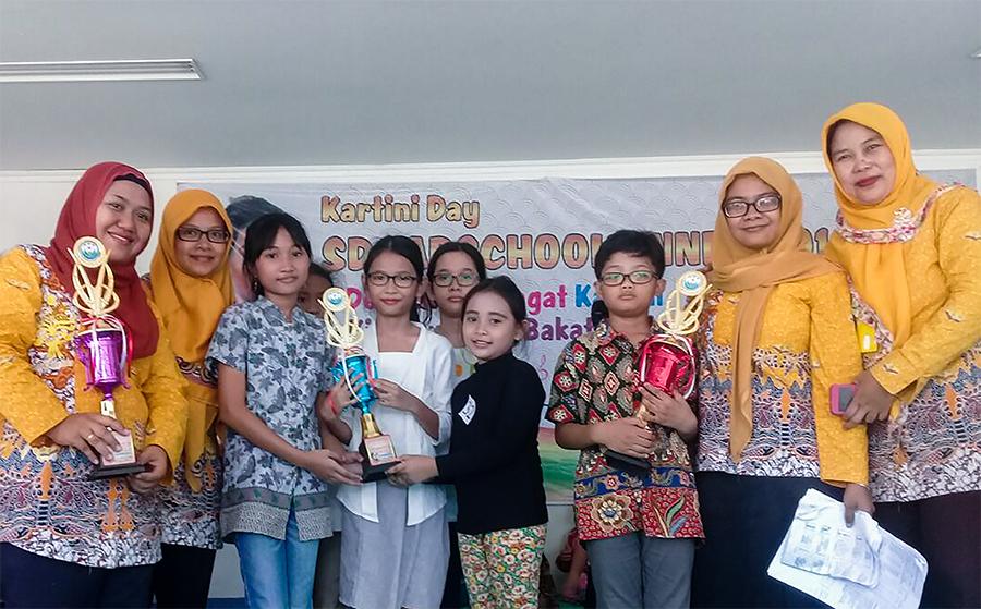 Peringati Hari Kartini, Siswa-siswi SD Labschool UNNES Unjuk Bakat