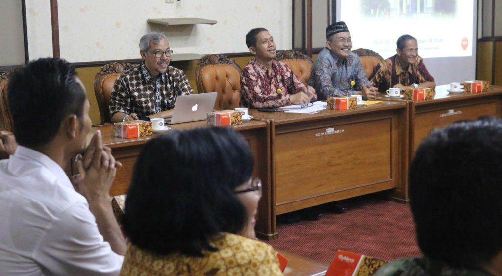 Kabupaten Landak Tingkatkan Kerjasama Dengan Unnes