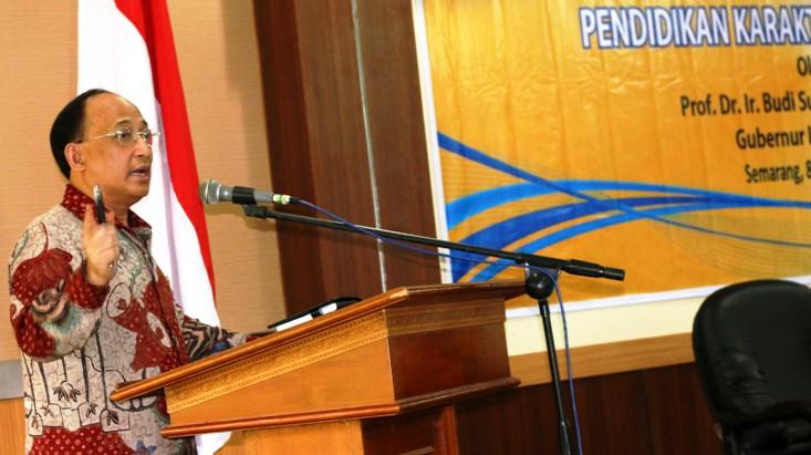 Gubernur Lemhamnas Ajarkan Karakter Kepemimpinan Bagi Pejabat Unnes