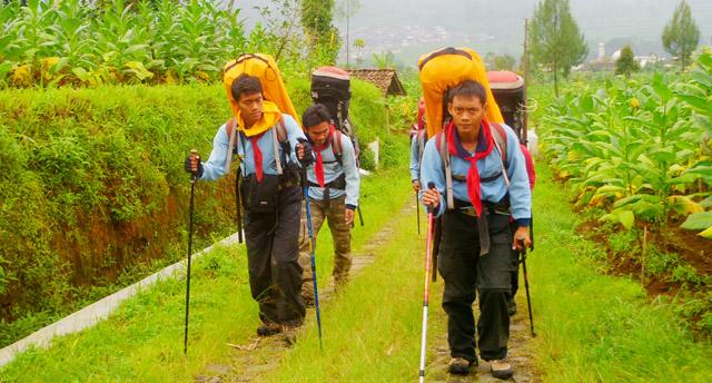 Ramadan Tak Halangi Tim Ekspedisi Aconcagua Latihan di Gunung Sindoro