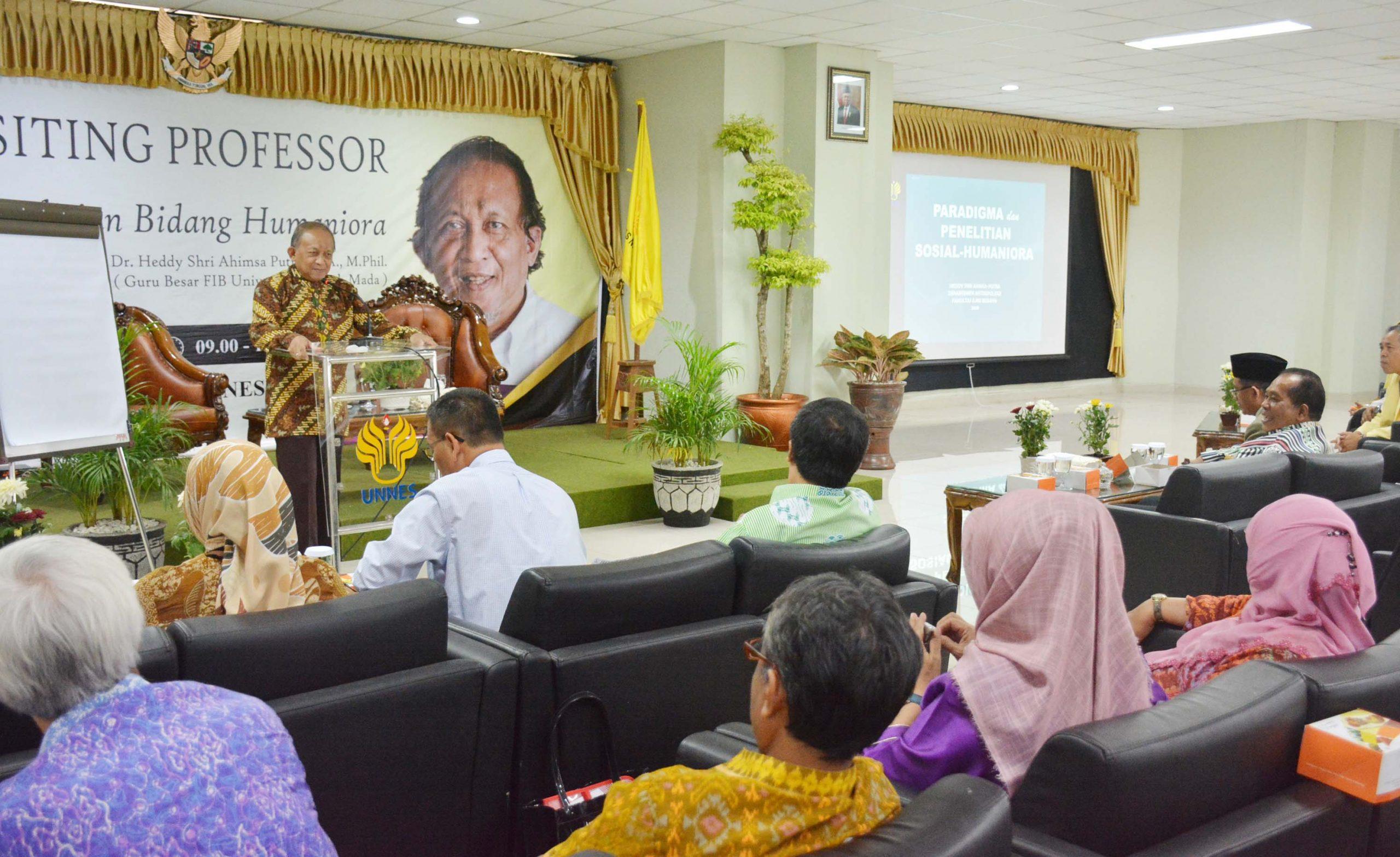 Rektor UNNES Sambut Visiting Professor UGM Di Pascasarjana UNNES