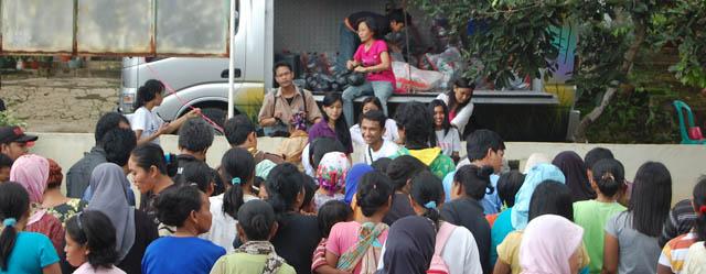 Pasar Rakyat Dipadati Warga