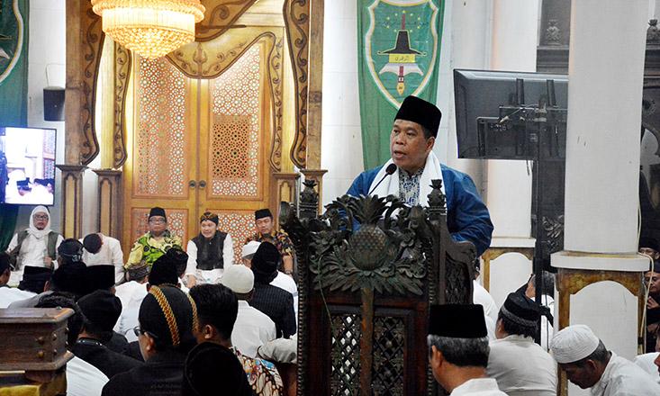 Rektor UNNES Hadiri Khaul Miosan  Abah Syeikh Ke 7 dan Ganti Luwur Ponpes Az Zuhri