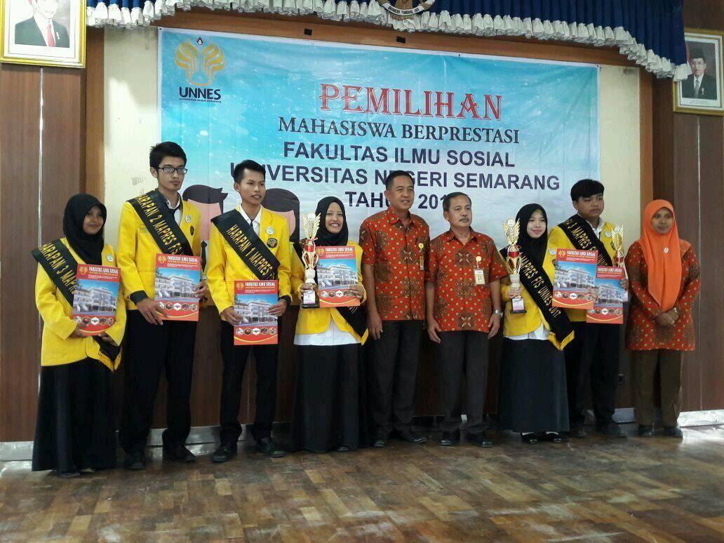 Vika dan Sofi, Mahasiswa Berprestasi Fakultas Ilmu Sosial UNNES 2017