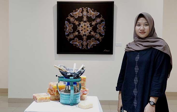 Filosofikan Kehidupan Serangga, Mahasiswi Seni Rupa Ciptakan Batik Bernilai Jual Tinggi