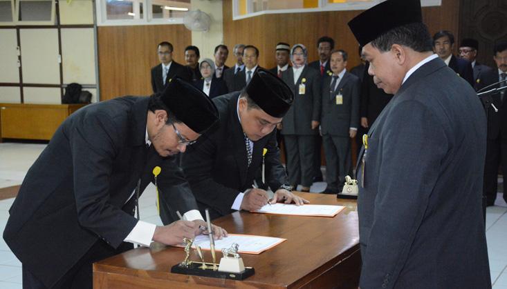 Rektor Lantik Wakil Dekan Dan Kepala UPT