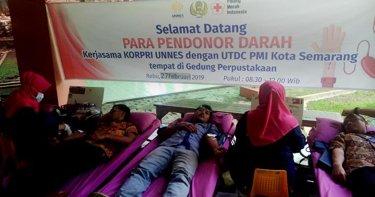 UNNES Kerjasama Dengan UTDC PMI Kota Semarang Selenggarakan Donor Darah