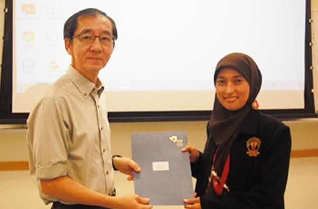50 Mahasiswa PPs Unnes Terima Serifikat dari NTU Singapura